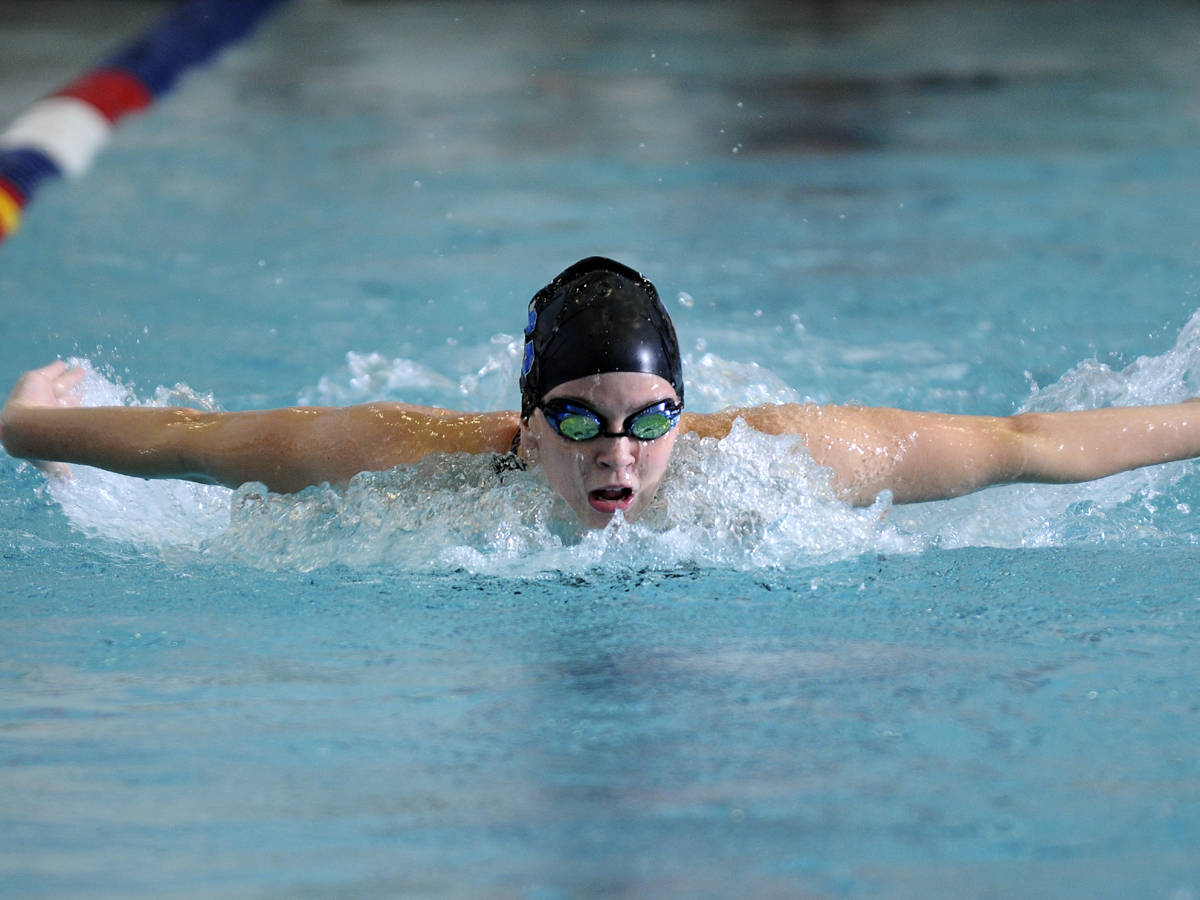 Swimming and Diving Defeats SCSU