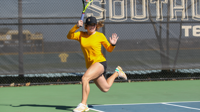Doubles sets tone for Pirates in 7-2 win at George Fox