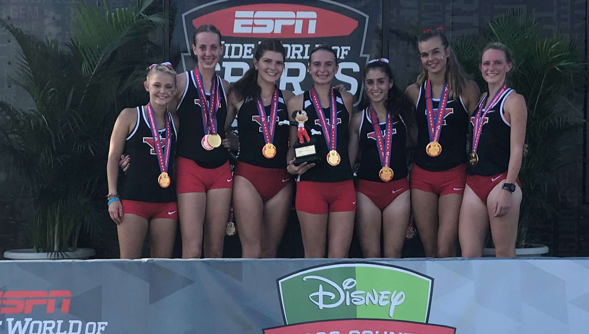 Women's Cross Country Wins Disney World Classic