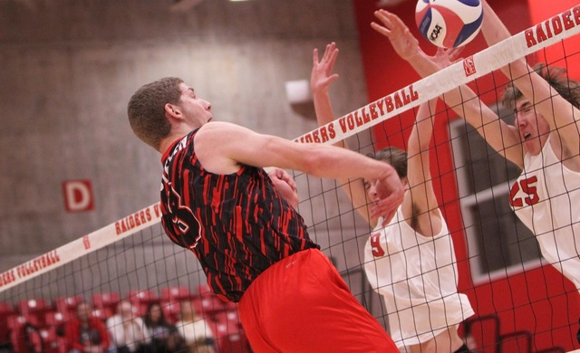 #13 Men's Volleyball Drops NACC Opener at CUW