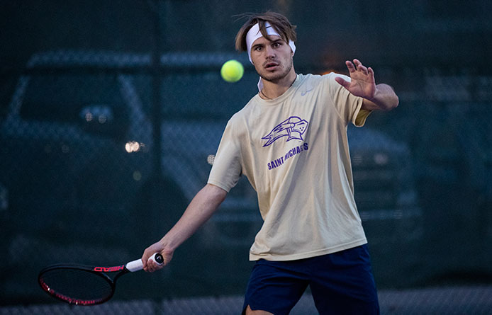 Men's Tennis Blanks Springfield to Begin Dual-Match Play