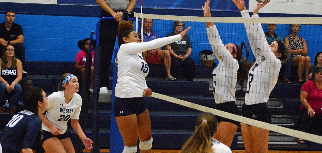 Volleyball Falls late in Sets, Drop Match against Randolph, 3-1