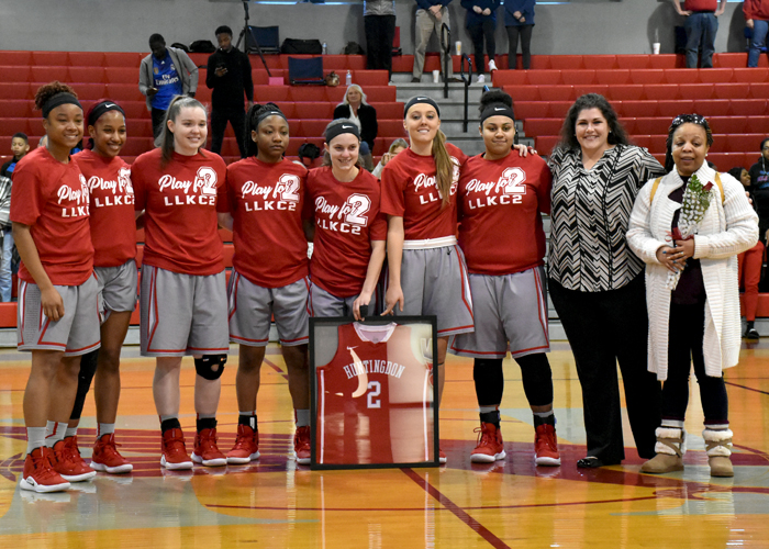 Lady Hawks celebrate Senior Day with sixth straight win