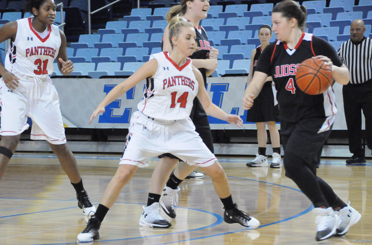 Women's Basketball: Fourth quarter surge sends Panthers past Judson 70-54
