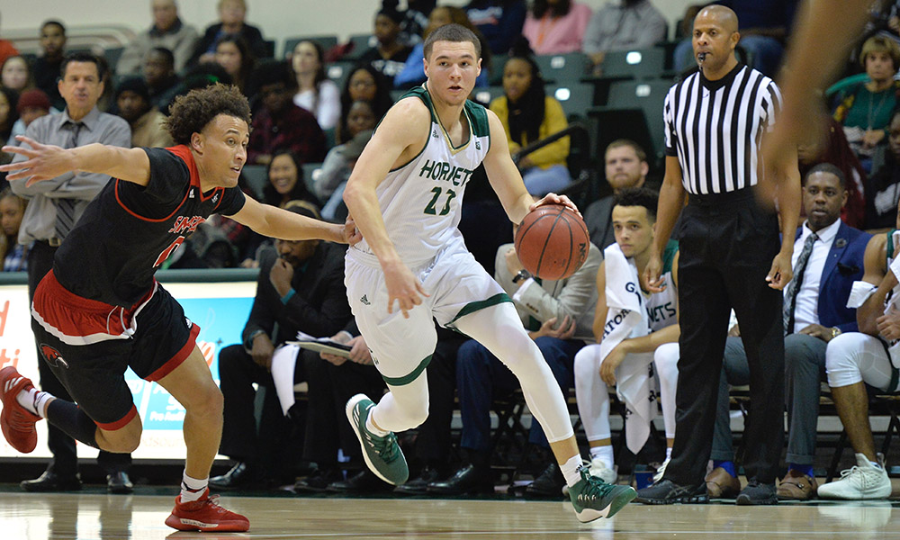 SECOND GAME OF THE SEASON: MEN'S HOOPS HOSTS CAL POLY