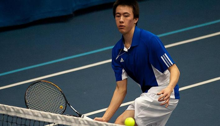 Men's Tennis Splits in Minnesota Saturday
