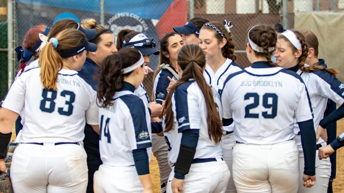 Softball Extends Streak to Six With 33 Runs Over Skyline Sweep of Old Westbury