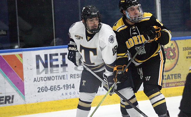 Men's Hockey Drop First Game at Chatham