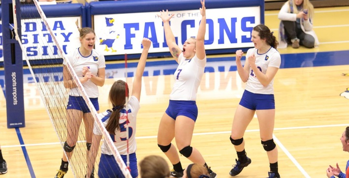 Women's Volleyball advances to NACC Tournament Championship