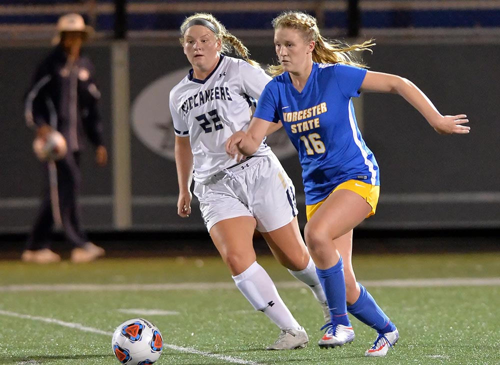 Women's Soccer Draws with Wheaton in Season Opener