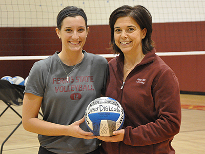 Lisa Tobiczyk Becomes All-Time Digs Leader