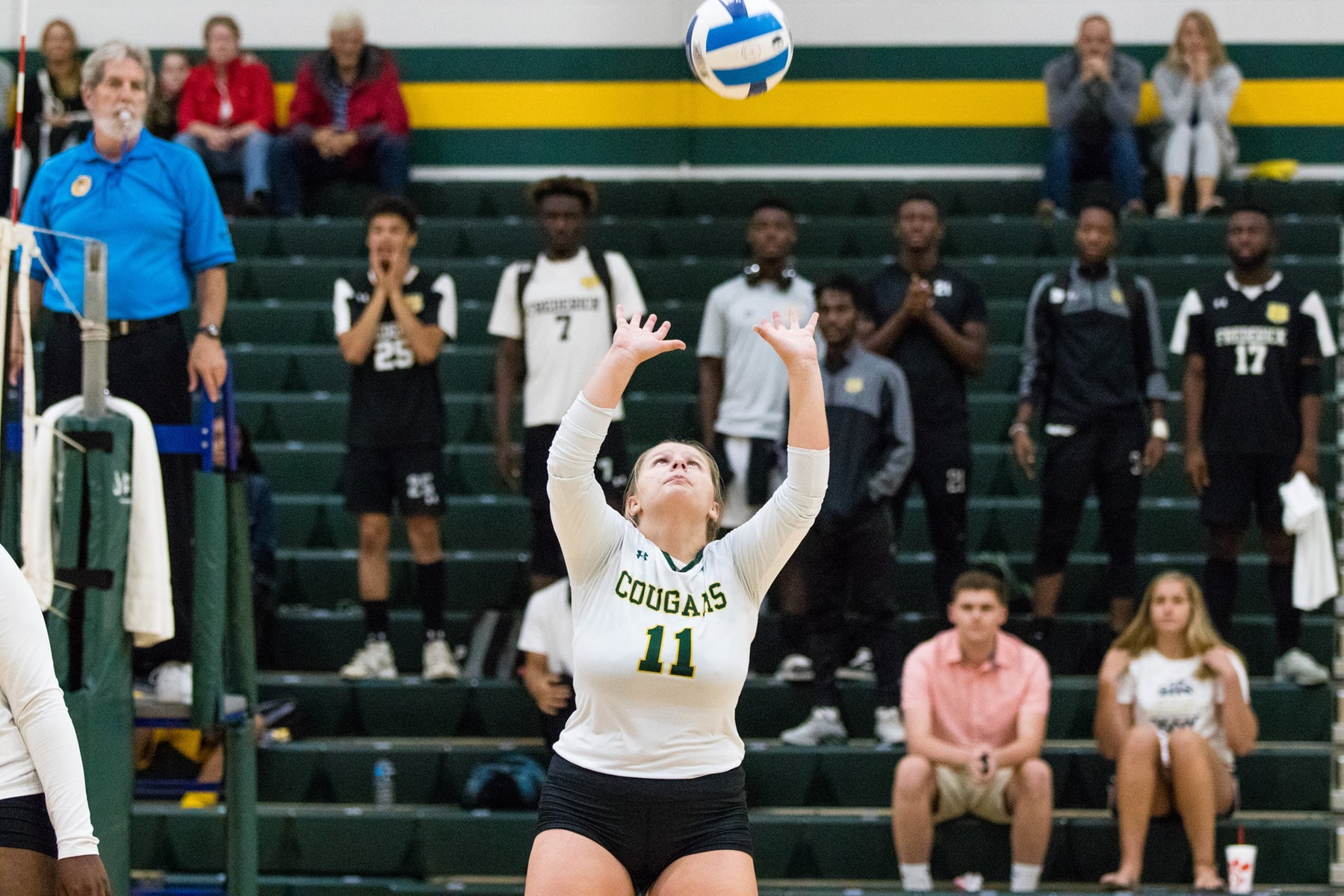 Volleyball Extends Win Streak to Three Straight in Win Over Skipjacks