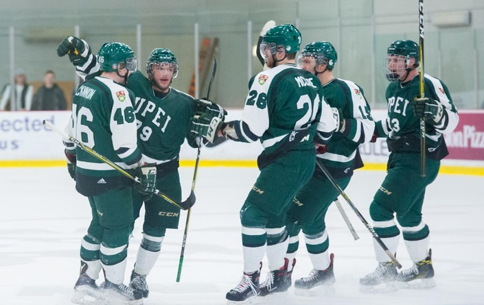 Panthers dethrone U Sports #1 ranked Varsity Reds 3-2