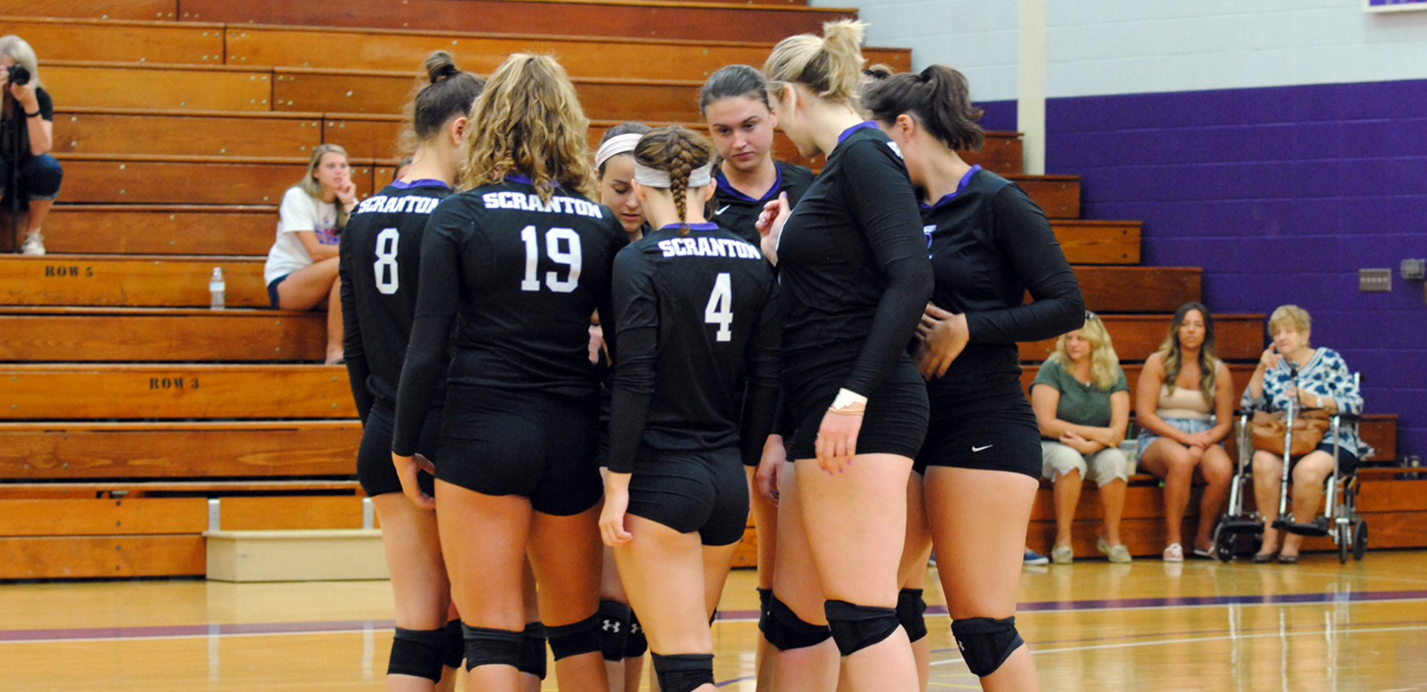 The women's volleyball team has earned the AVCA Team Academic Award for the seventh straight year.