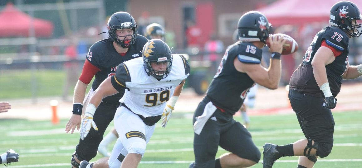 Big Plays Carry Football Past Pioneers, 20-3