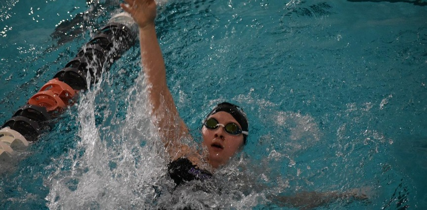 Women's Swimming and Diving: Raiders Drop First OAC Opener