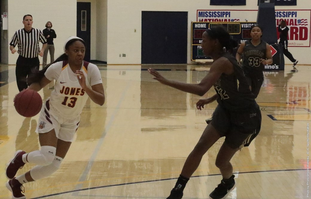 No. 5 Lady Bobcats reach Region 23 Tourney title game