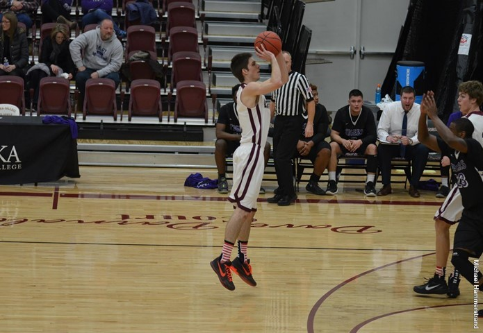 Eureka men roll in victory over Iowa Wesleyan