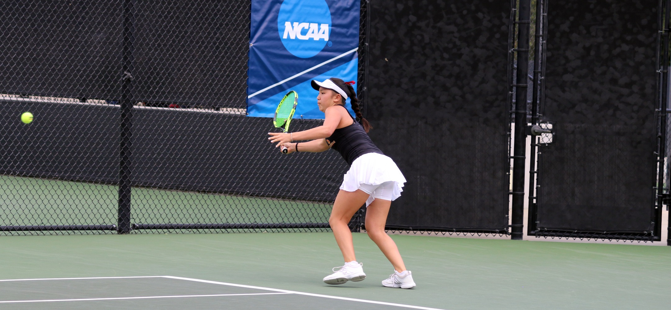 Sydney Lee won 6-0, 6-0 in singles and 8-3 in doubles as the Athenas opened NCAA play with a 5-0 win