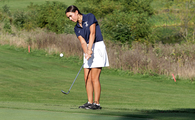 Women's Golf Starts Spring Off With Win Against BW