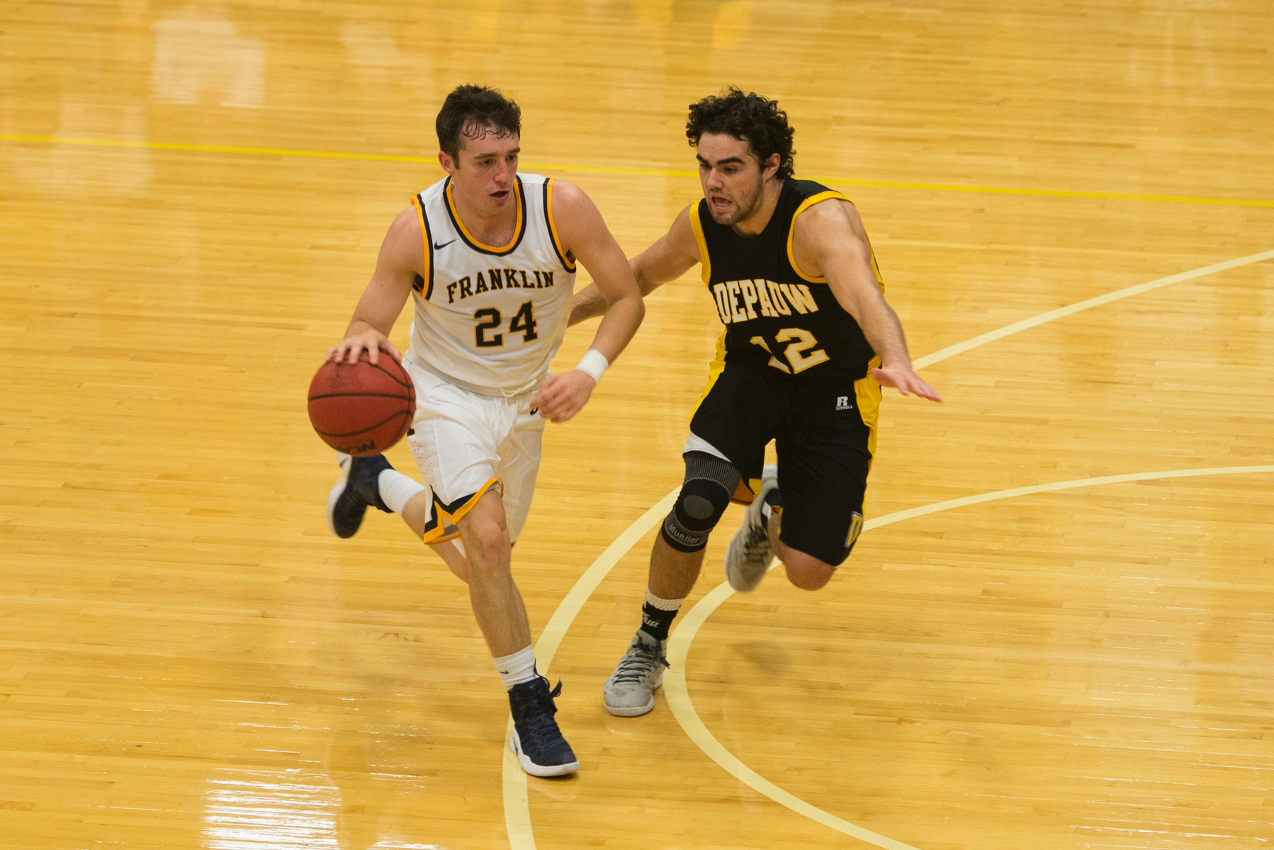 Men's Basketball Falls To Pioneers
