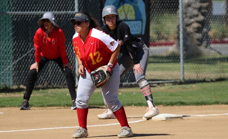 COD Softball hosts first home game of 2018, falls to Dons in 5