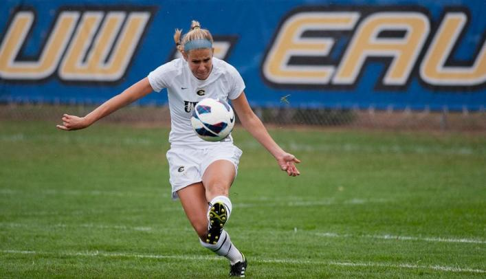 Soccer Picks up First Win of Season in WIAC Opener