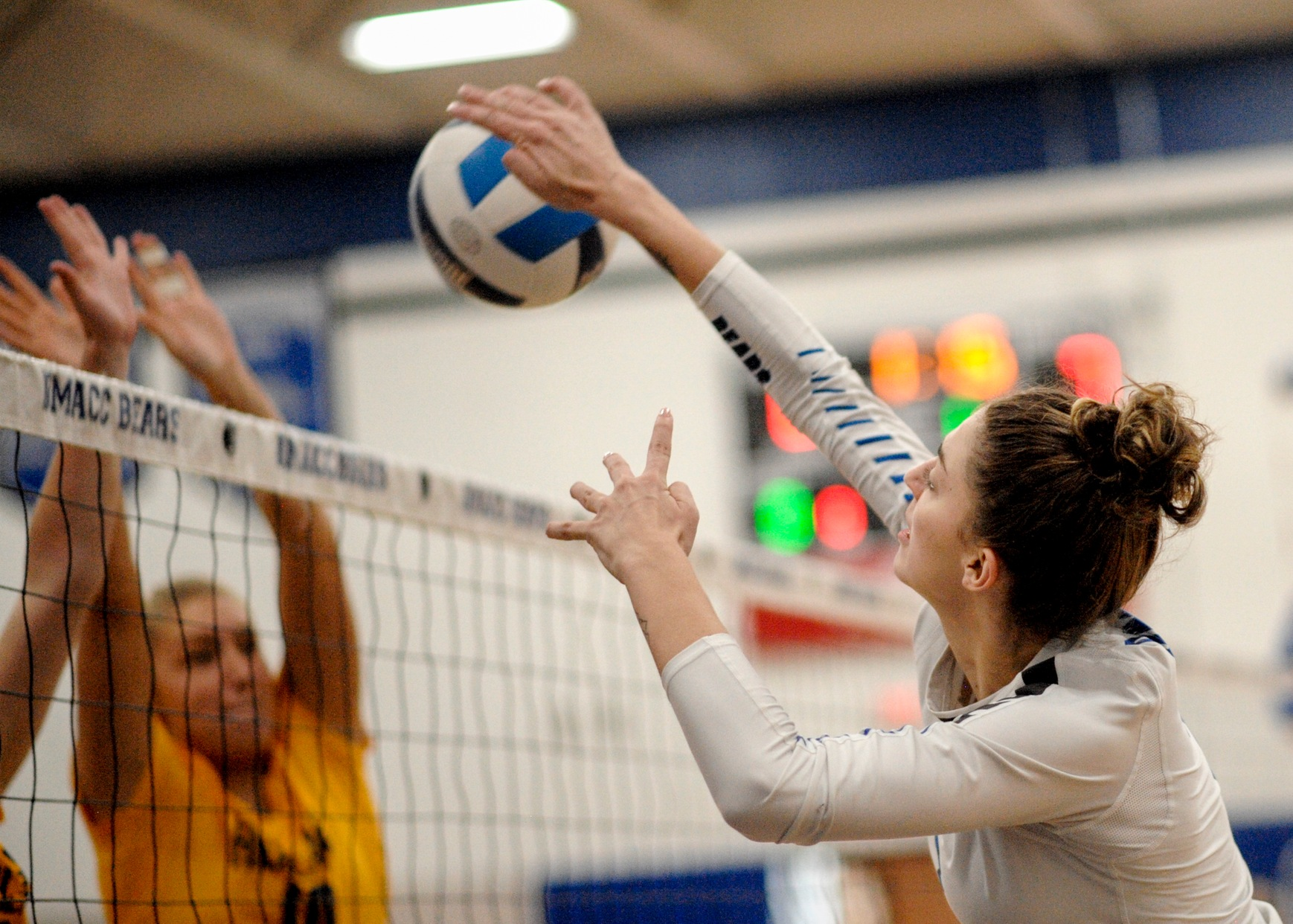 Dilsaver lifts DMACC volleyball team past William Penn JV, 3-1
