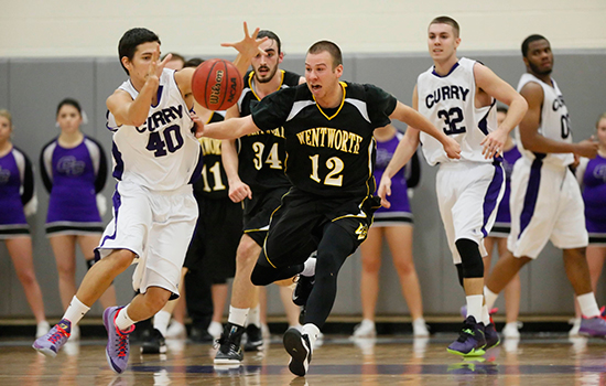 Men's Basketball Rallies Past Curry