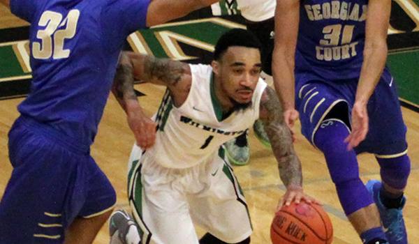Ponzo-Meek's Career High 35 Leads Wilmington Men's Basketball to Third Straight Victory