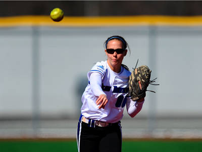 Senior Amanda Dilworth Named Akadema/NEC Softball Player of the Week
