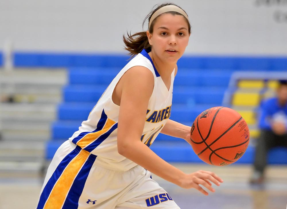 Women's Basketball Advances to Worcester City Tournament Championship After Defeating Clark, 82-75; Surprenant Scores Career-High 20 Points in Win