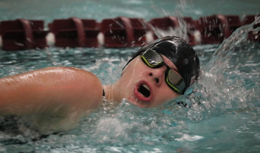 Women's Swim and Dive Take Seventh, Men Eighth at Carthage Classic