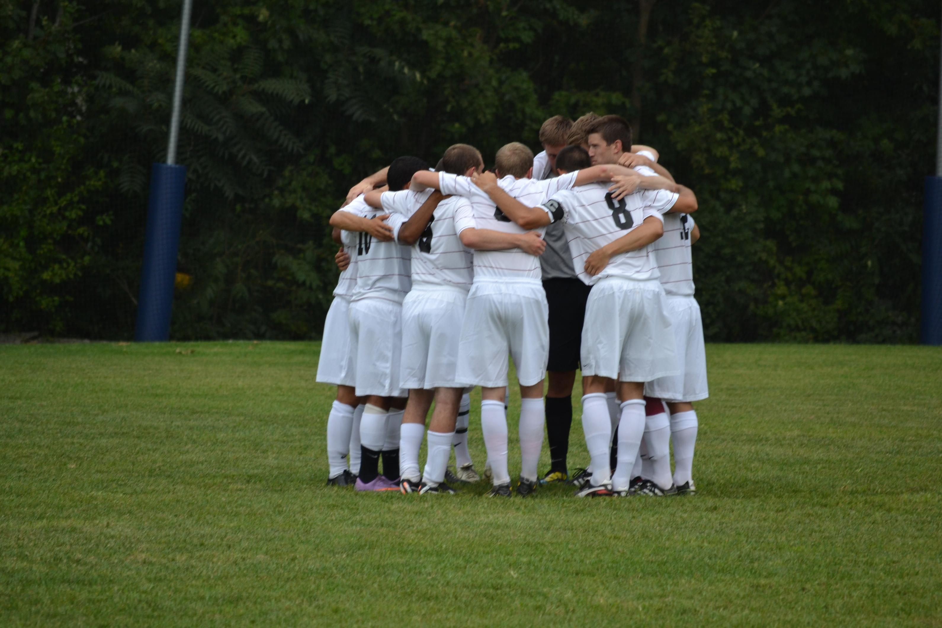 Men's Soccer Remains Undefeated With 3-1 Victory At Gordon