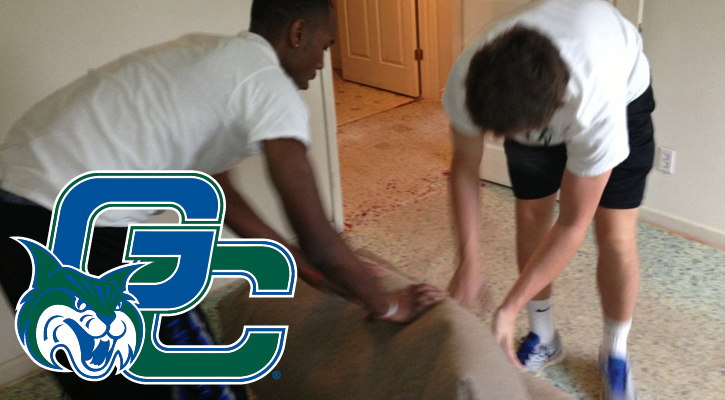 GC Men's Basketball Helps Habitat for Humanity