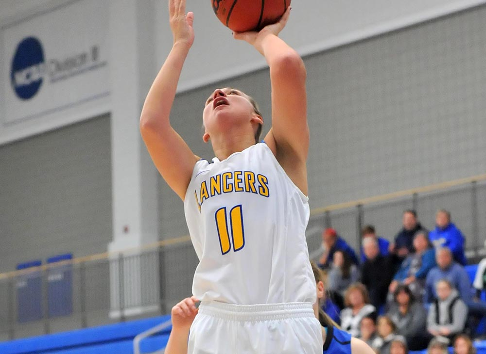 Herring Scores 1,000th Career Point as No. 4 Worcester State Defeats No. 5 Salem State in Overtime, 74-60