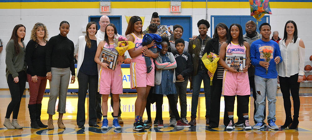 Clippers Women's Basketball Tops Holy Family on Senior Day, 72-65