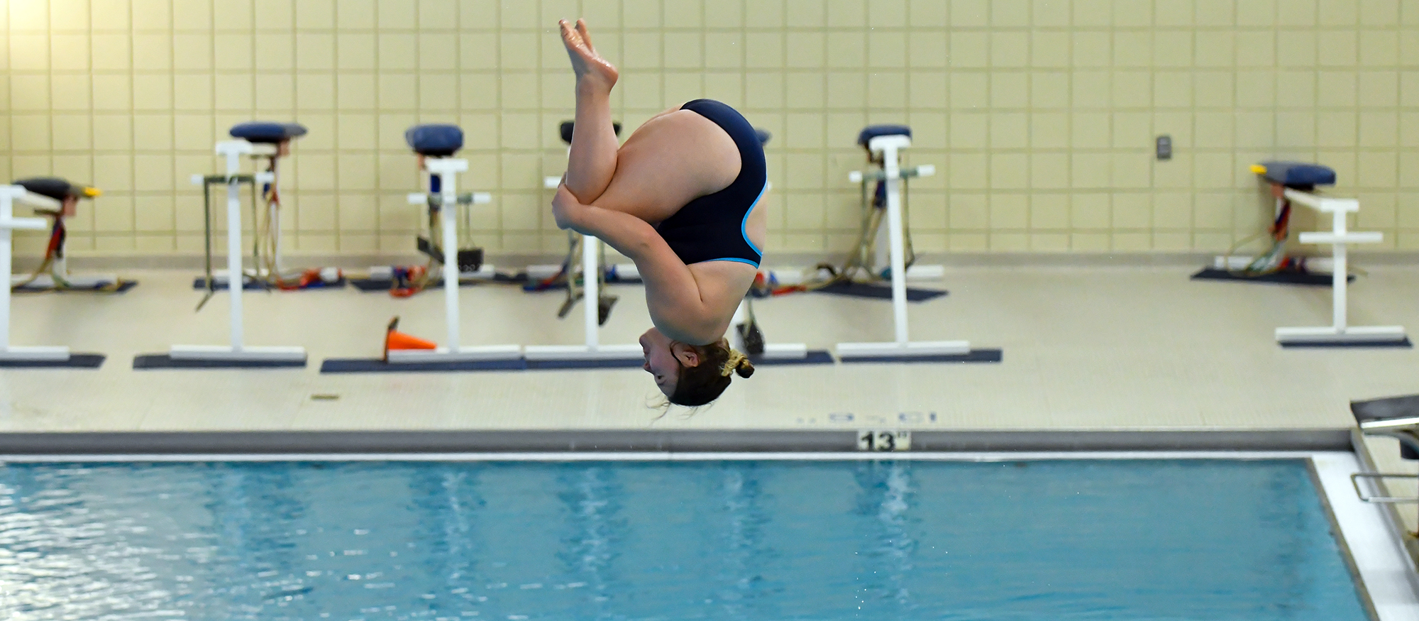 Action photo of Lyons diver, Katie Kolozsvari.