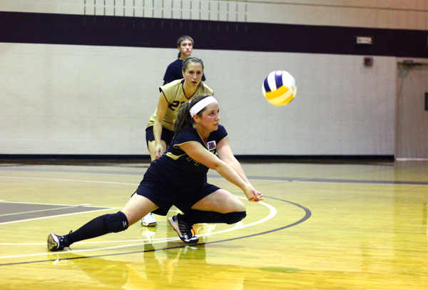 Lady Eagles Split Opening Day of Spikefest