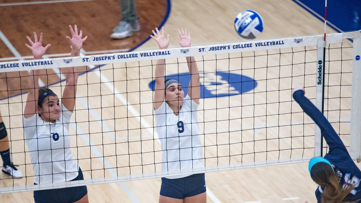 Women's Volleyball Clinches Playoff Berth with Tri-Match Sweep in Regular Season Finale