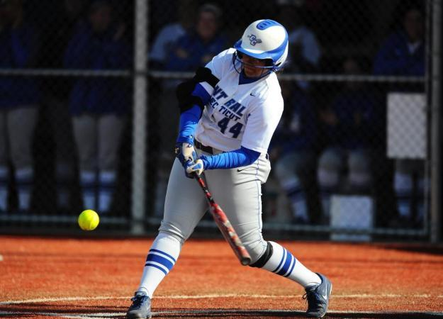 Softball Earns Two Shutouts at Holy Cross