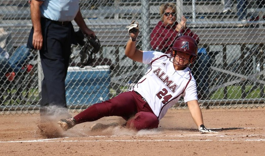 Softball Swept by Hope in battle of MIAA Co-Champions