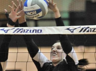 Hawks Top Petrels in Volleyball