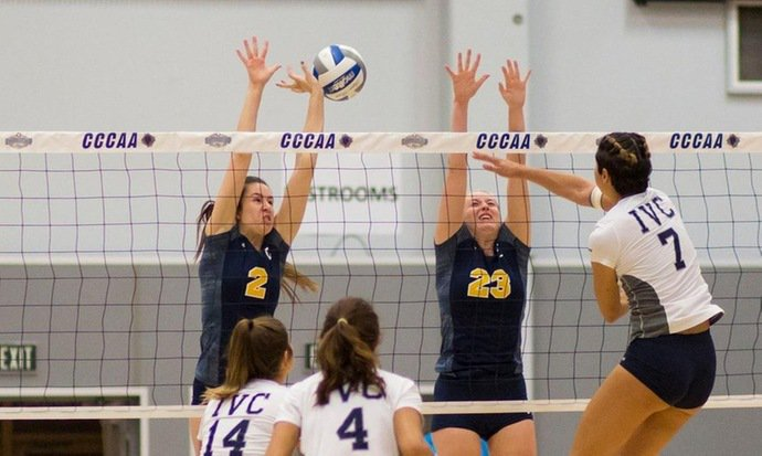 Women's volleyball gets by Canyons to reach state final