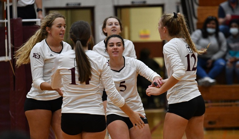 Evangel Volleyball Tops MNU for Fifth-Straight Victory