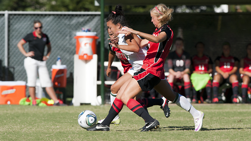 Shelby Salvacion scored the Hornets' lone goal at Pacific.