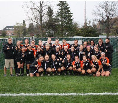 No. 12 Women's Soccer clinches OAC Regular Season title with 4-0 victory over Heidelberg