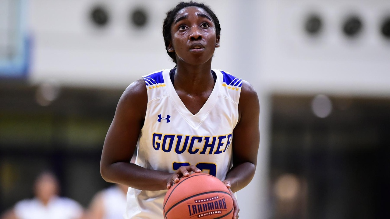 Quarles Tallies Double-Double In Women's Basketball Loss At Elizabethtown
