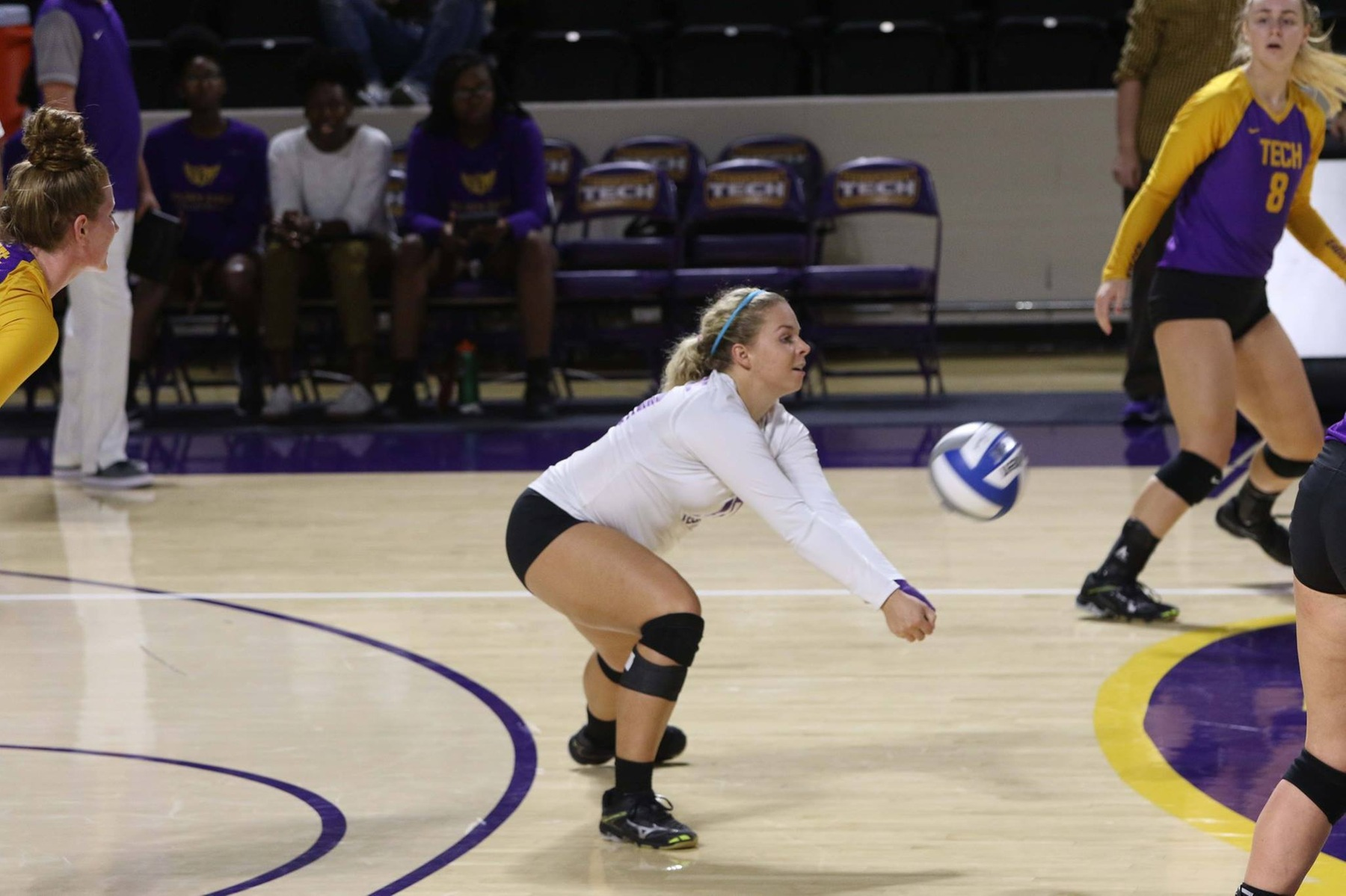 Golden Eagles begin three-match road trip with four-set loss at UT Martin
