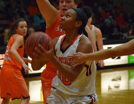 Campbell and Lauck lead No. 9 Women's Basketball in 82-49 route of Heidelberg